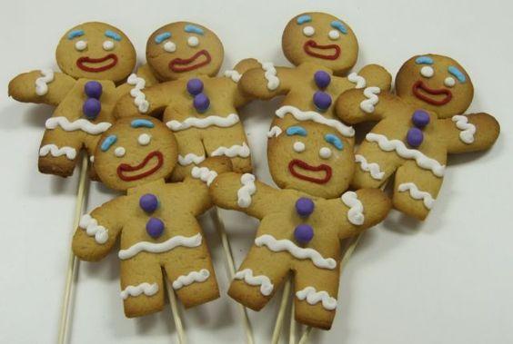 http://thepartyanimal.hubpages.com/hub/Shrek-Birthday-Cakes-and-Cupcake-Ideas