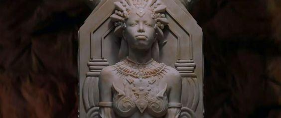 La reina de los condenados A601b3113cf2a17f1fa7f34a336a5abf