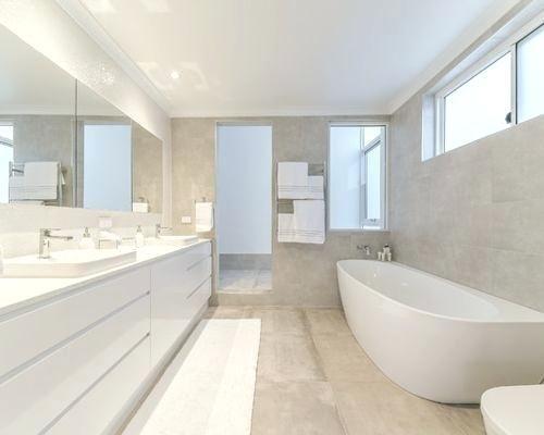 20 Bemerkenswert Bild Von Badezimmer Mit Eckbadewanne Modern Kleines Bad Renovierungen Eckbadewanne Badezimmer