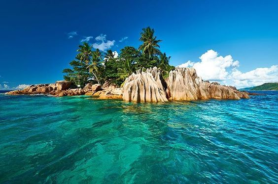 Seychelles may be the only country described exclusively in hyperbole…