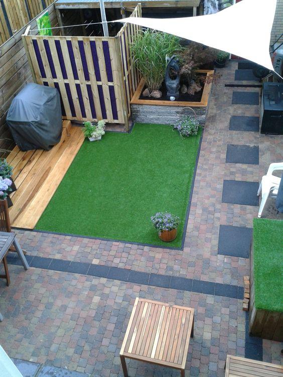 Onze opgeknapte tuin met gekregen stenen hergebruikte tegels gekochte tegels hout en for Tuin decoratie met stenen