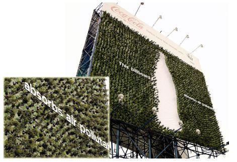 Outdoor que absorve poluição do ar.  Coca-Cola, parceria com a ONG WWF (World Wildlife Fund).