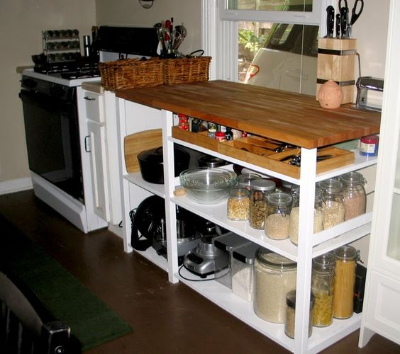 niedrige ivar regale als arbeitsfl che selbermachen pinterest begehbarer schrank. Black Bedroom Furniture Sets. Home Design Ideas