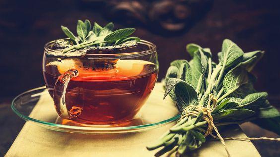 Kräuter und ätherische Öle sollen Halsschmerzen lindern, Entzündungen hemmen und die Heilung vorantreiben. Viele dieser Hausmittel beruhen auf ...