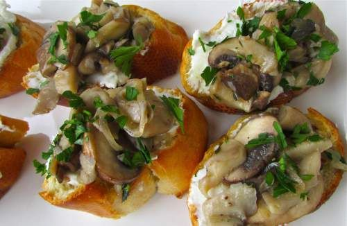 and goat cheese toast | recipes to try | Pinterest | Cheese Toast ...