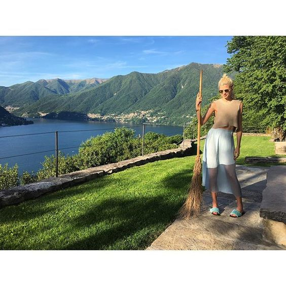 Just giving our private Italian villa a lil sweep  #TheEyeTravelsToItaly #LakeComo