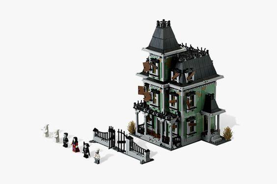 LEGO haunted house... lutunaaaa