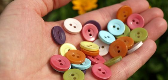 Spray paint buttons - genius!