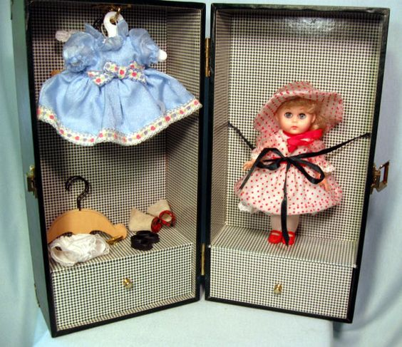 Vintage Ginny Vogue Doll Trunk Dress Clothes