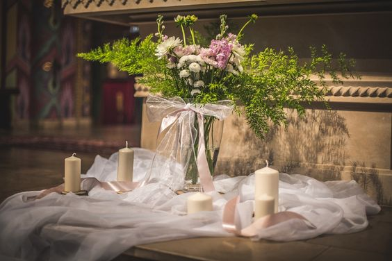 Dekoracja przy ołtarzu / decoration at the altar   #decoration #wedding #flowers #rustic #bouquet #church