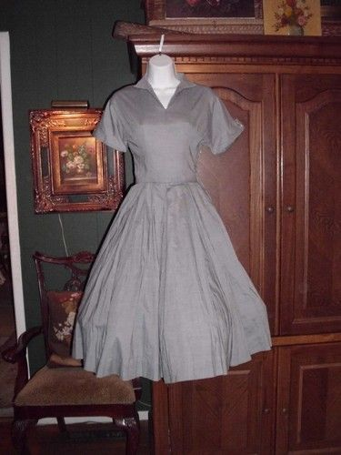 Late 1940's dress from sylviarosevintage / ebay