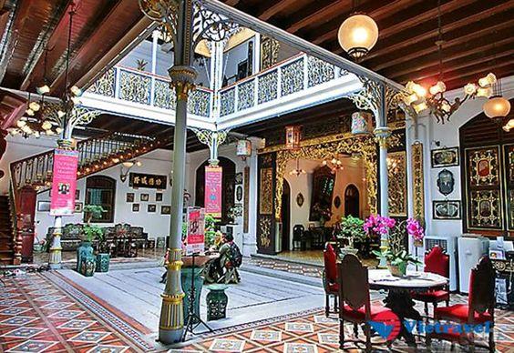 Một ngôi nhà Peranakan điển hình sẽ có sảnh lớn