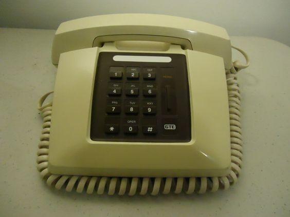 Vintage 1980s GTE Mod Retro Phone