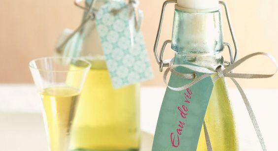 Vous avez toujours rêvé de fabriquer des mirabelles ou cerises à l'eau-de-vie, régalez-vous avec nos recettes !     http://www.prima.fr/cuisine/je-fais-des-fruits-a-leau-de-vie/792547/