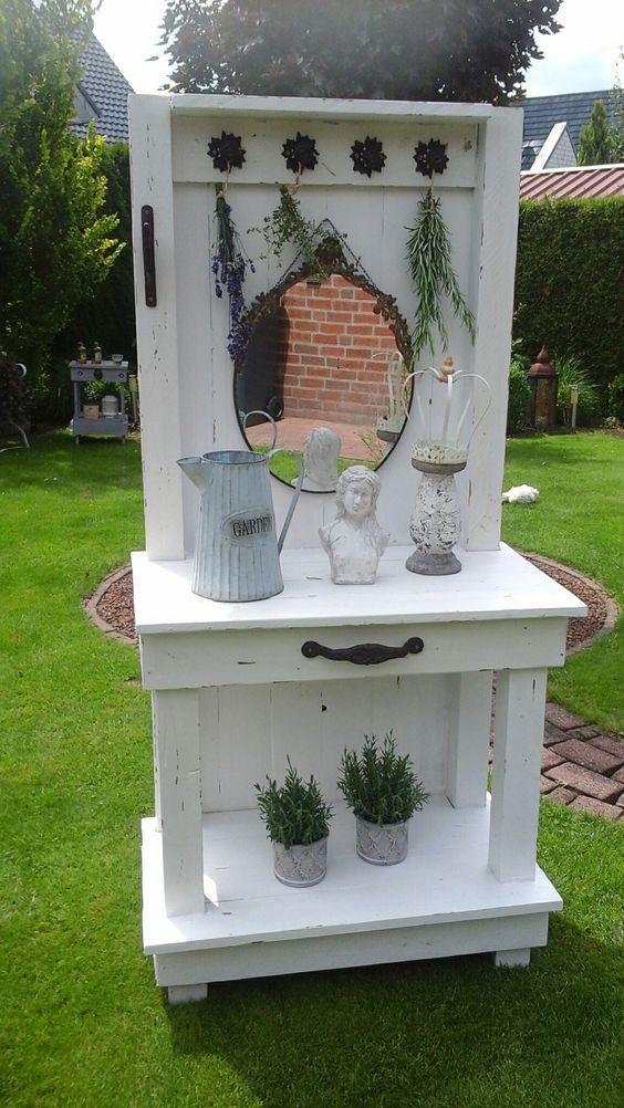 pflanztisch paletten garten shabby chic pappbecher pinterest shabby schick und shabby chic. Black Bedroom Furniture Sets. Home Design Ideas