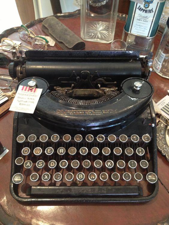 An olden day typewriter