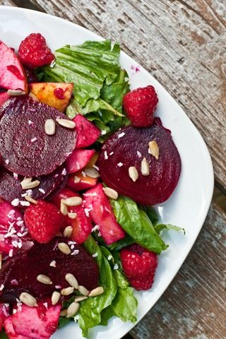 Beet, apple, and orange salad w/ homemade raspberry vinaigrette | I ...