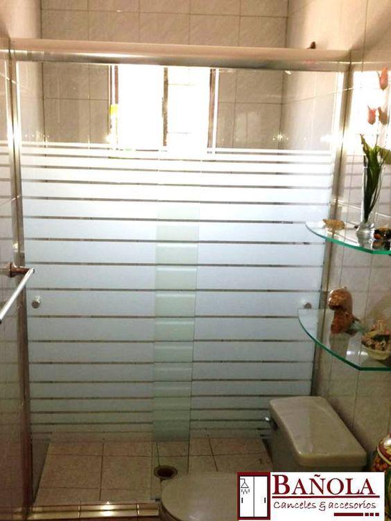 Moderno cancel corredizo en cristal templado con marco de aluminio ...