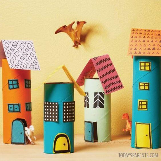 Vamos construir uma cidade com rolos de papel higiénico?
