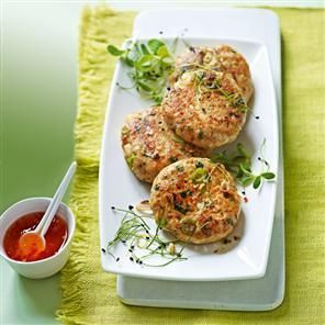 Red Thai Fishcakes - i'll have to make it less spicy since i'm a wuss but it sounds good