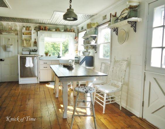 Old Farmhouse Kitchens | Farmhouse Vintage/Shabby style Home tour