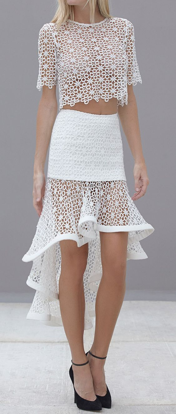 Ruffled lace: