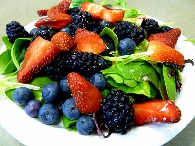 Simple Salad, Fruit and Mixed Greens