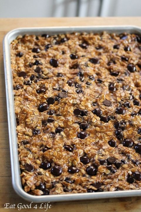 Dark Chocolate and Oatmeal Cookie Bars Recipe. Healthy!