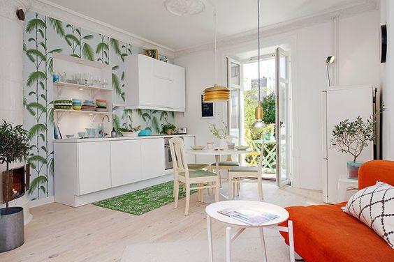 Fabulous-Swedish-Apartment-Design-Interior-Orange-Sofa-Round-Table.jpg | Comprando Meu Apê