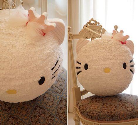 como hacer una piñata de Hello Kitty paso a paso