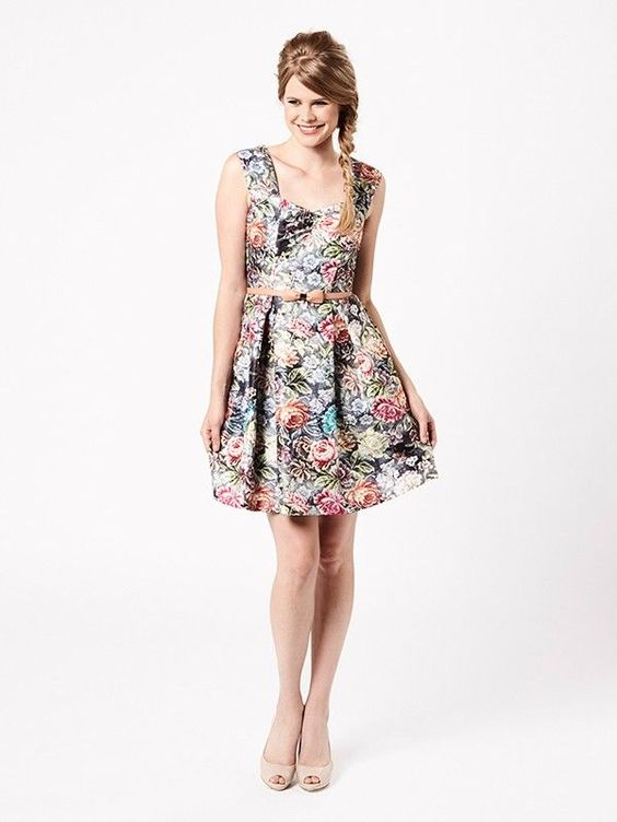 Fun, flirty dress with a painterly floral print