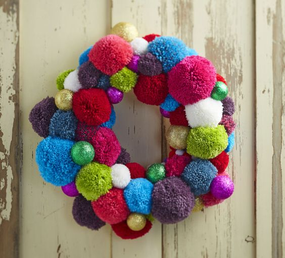 How to Make a Glitter Pom Pom Wreath                                                                                                                                                                                 More: