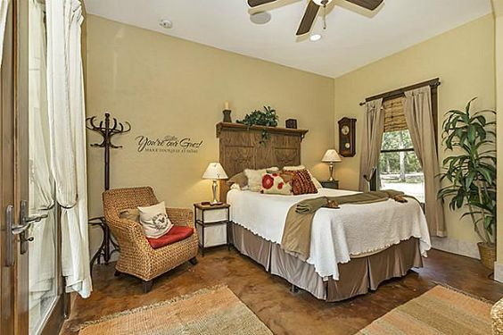 Beautiful bedroom décor. For more info/pics of this home please visit http://regalrealtors.com/perl/mlsd.pl?c=regal&p=1&ListingID=12144556 When you think of real estate, think of Regal.