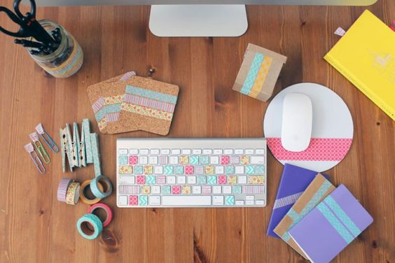 Washi Your Workspace: 8 Quick DIY Projects via Brit + Co.: Con Washitape, Tape Crafts, Washi Crafts, Tape Ideas, Decoration Ideas, Desk Ideas, Washi Tape, Office Crafts