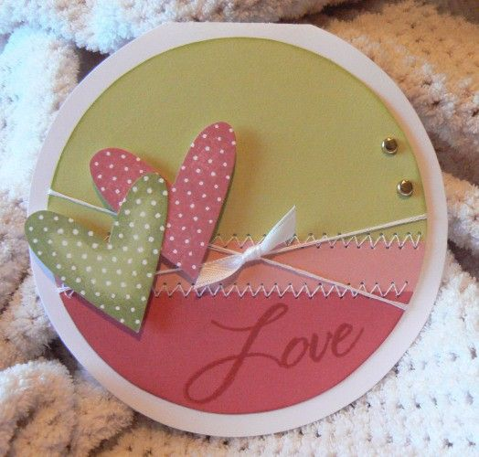 very cute!  with the new cricut cartridge i have I can now make circle cards.... yeah! mommyniece