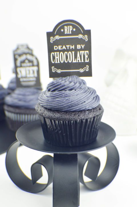 Black on Black Velvet Cupcakes: Death by chocolate can't be that bad, can it? Try these gory Halloween cupcakes with cream cheese frosting for the ultimate dessert treat. Find more cute and creepy Halloween cupcake recipes and ideas that are easy to make here.