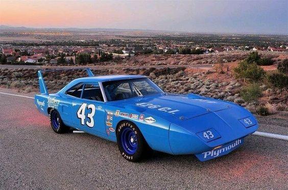 Plymouth by Petty HEMI Road Runner Superbird NASCAR Stock Car Racer #43