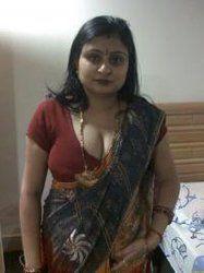 Tamil Aunties Removing Saree
