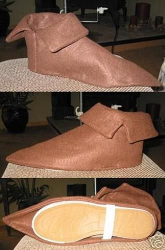 Costume Shoe Covers Peter Pan Elf Seven Dwarfs | eBay.. not bothered making my own shoes.... just make covers :)