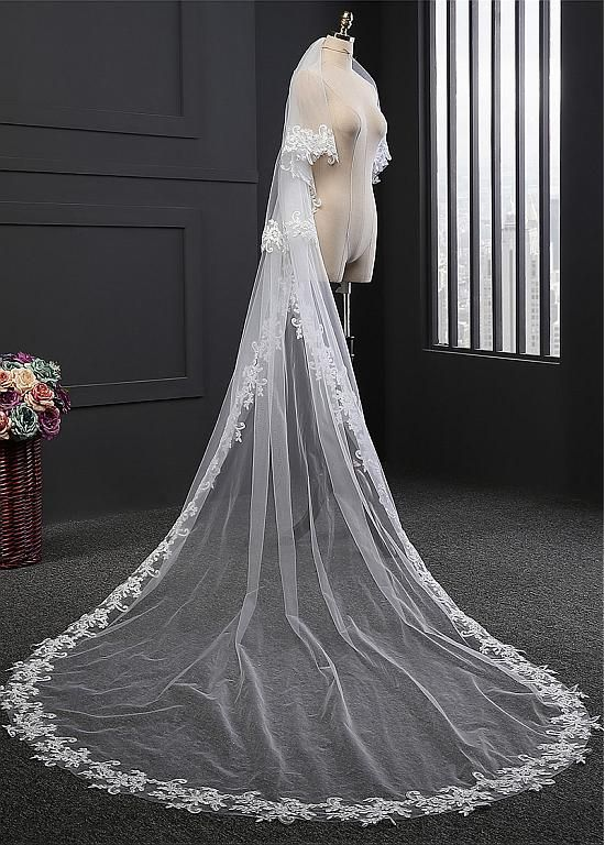 Buy Discount In Stock Hot Sale Tulle Two Tier Wedding Veils With Lace Appliques Comb At Dressilyme Com Wedding Veils Wedding Cathedral Length Wedding Veil