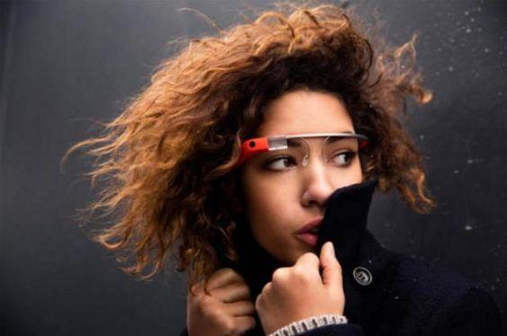 Em apenas um dia, foram vendidas todas unidades do Google Glass Reprodução/Internet
