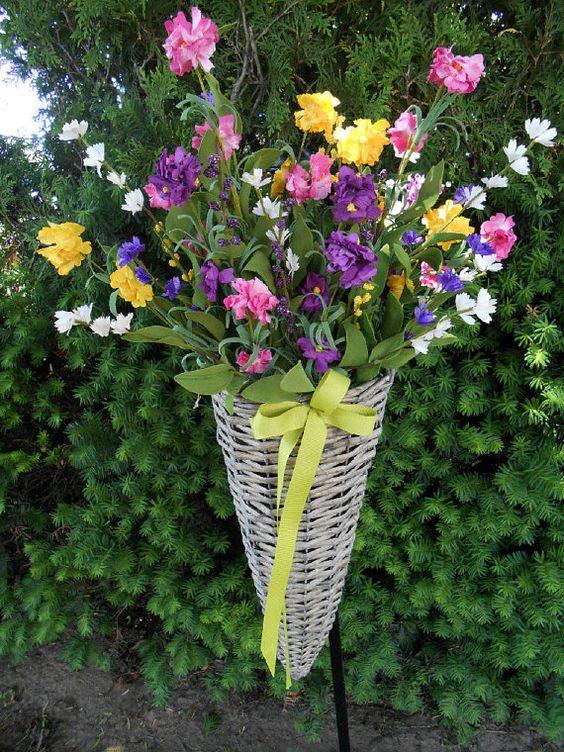 French Basket Floral Arrangement: Floral Ideas, Floral Design, Floral Bouquets, Floral Arrangements, Chic Floral, Craft Ideas
