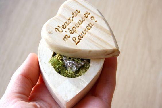 Little heart chest box for your proposal - On Etsy by AurorasPrettyWedding: