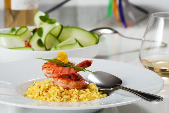 #Risotto met #saffraan en #garnalen  #risotto with #saffron and #shrips  #foodpics#foodphotography#foodstyling#foodblabla