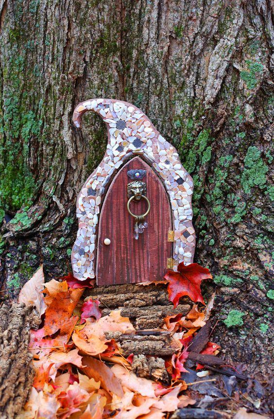 Fairy doors pinteres for Fairy front door