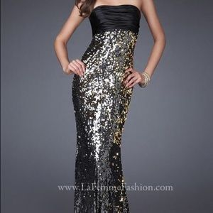I just discovered this while shopping on Poshmark: La Femme formal gown. Check it out!  Size: 2