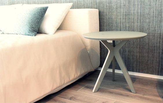 Pinkit como mesa-de-cabeceira : Mesa de cabeceira por Two.Six