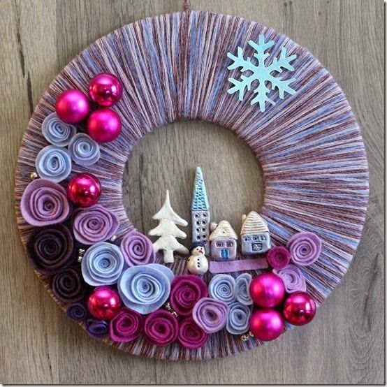 Lindas y hermosas coronas de navidad de fieltro besitos for Decoracion navidena artesanal