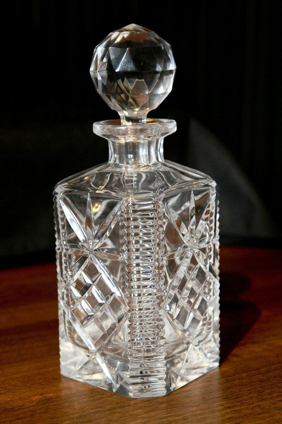 stunning heavy cut lead crystal whisky brandy decanter. Black Bedroom Furniture Sets. Home Design Ideas