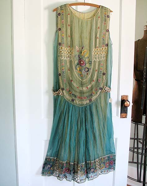 flapper dress (vintage).